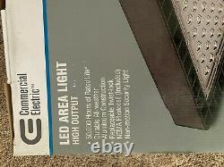 Commercial Electric LED Bronze Area Light/Flood Security Light NOVA150-PC-4K-BZ
