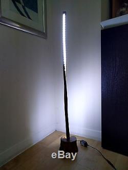 Belle Lampe De Sol En Bois Fait Main En Chêne Design Tordu Avec Variateur